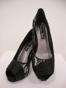Zapato con detalle en encaje negro, VG